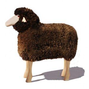 Schaf in Lebensgröße, braun gelocktes Fell