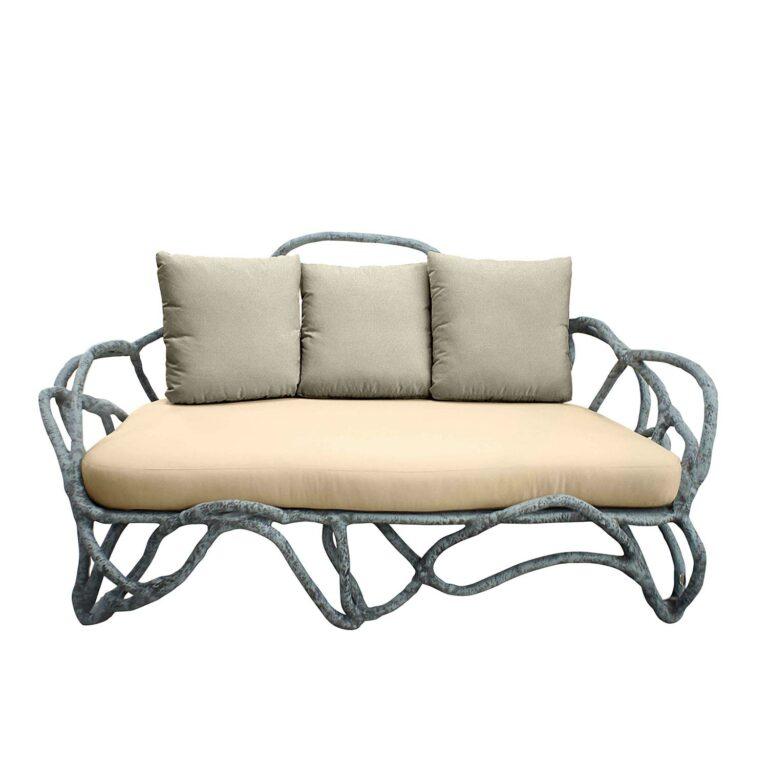 EROS Sofa in gealterter Betonfarbe