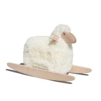 Kleines Schaf zum Schaukeln
