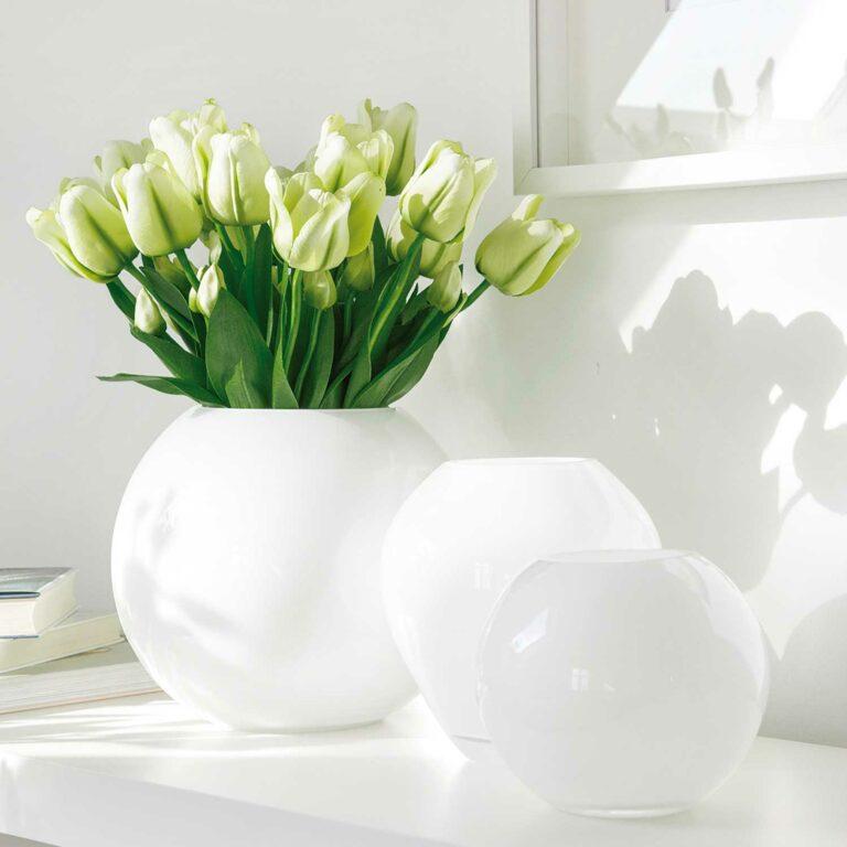 MOON Glasvase rund weiß/opal