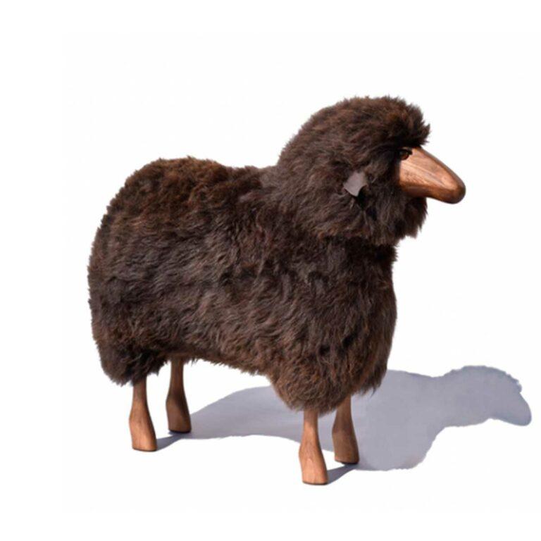 Schaf in Lebensgröße, braunes Fell, Teakholz